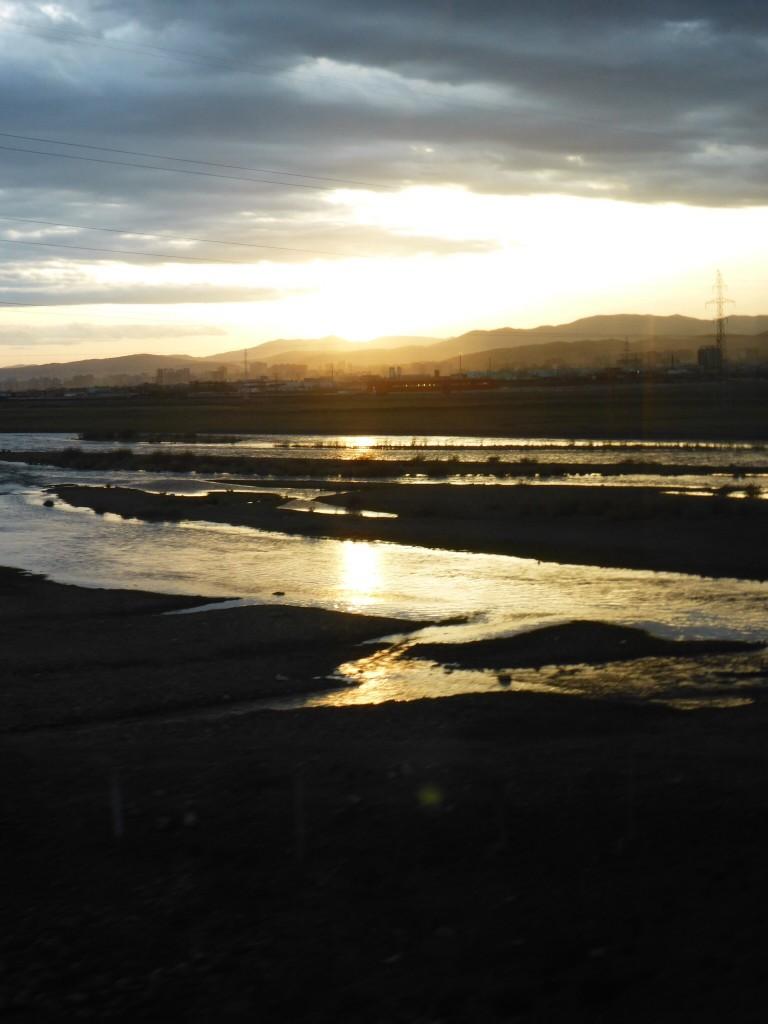 Sonnenuntergang vor den Stadttoren Ulaan Bataars