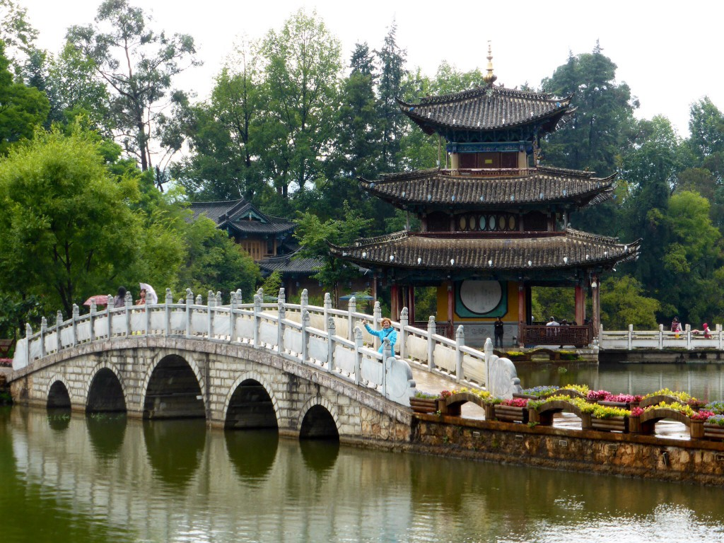 Pagode im 7-Dragons-Pool-Park in Lijiang
