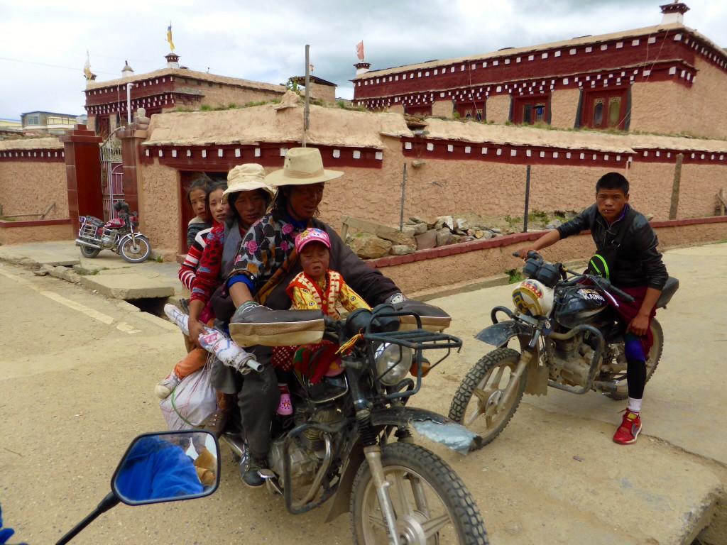 Tibetische Familienkutsche