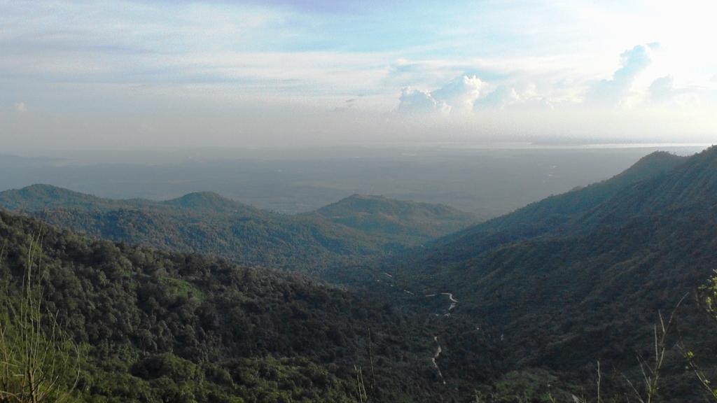 Aussicht vom Golden Rock - bis nach Thailand