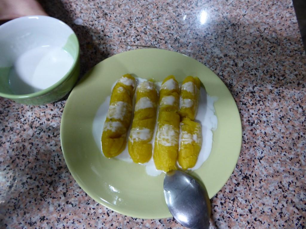 Lecker Nachtisch: Gebratene Banane in Kokoscreme