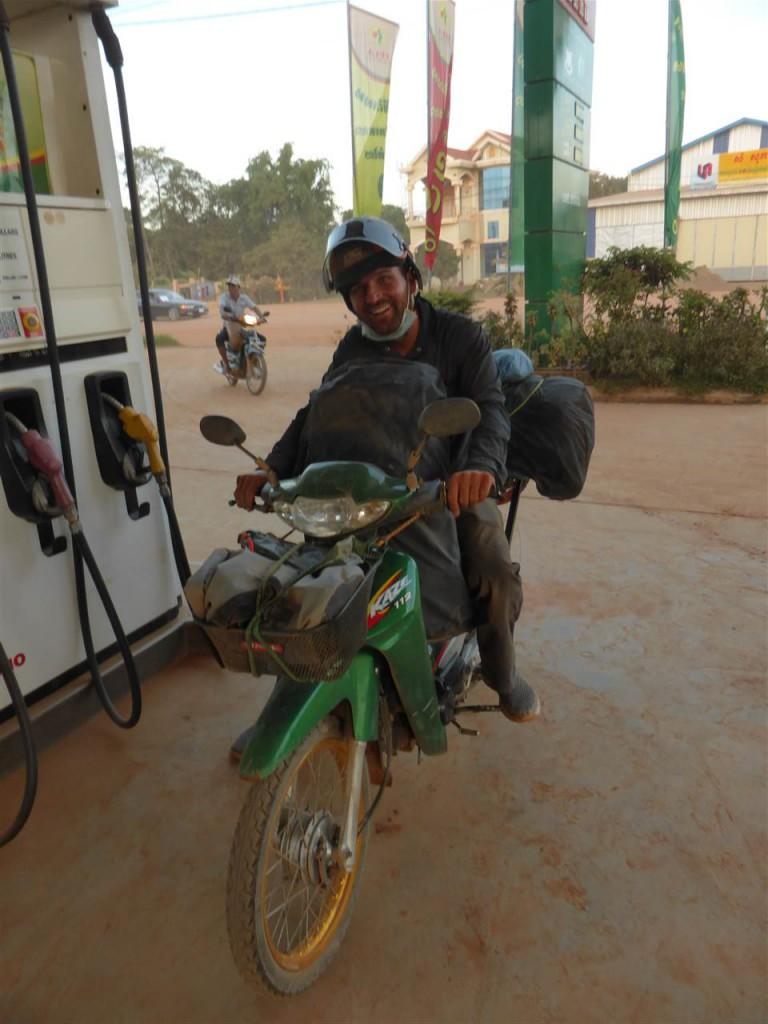 Staubige Anfahrt nach Phnom Penh