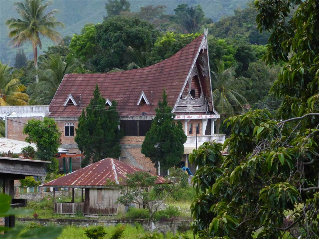 Groosses traditionelles Batak-Haus