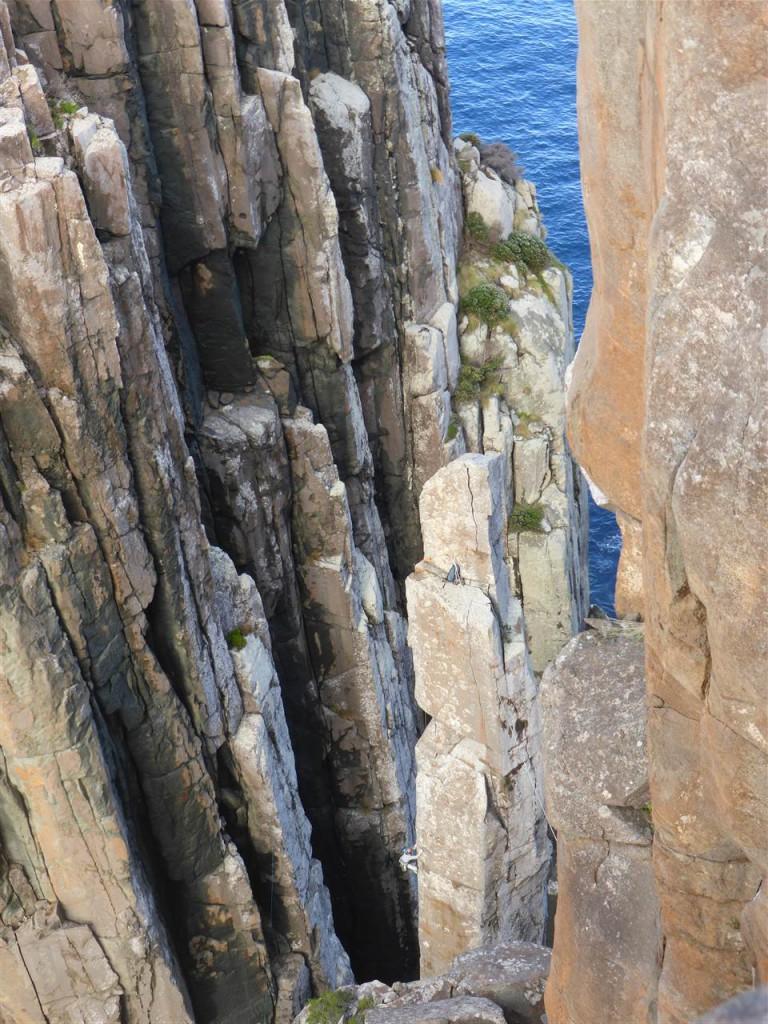 Der Totem Pile - mit waghalsigen Kletterern