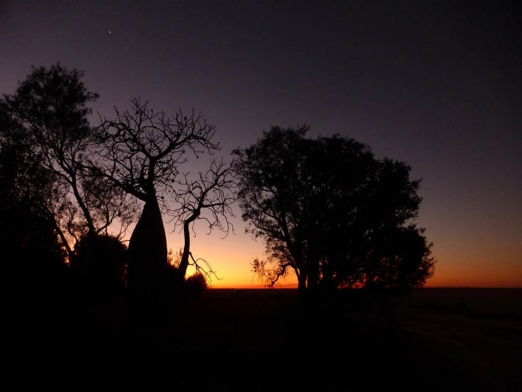So wunderschön sind die Sonnenuntergänge im Outback