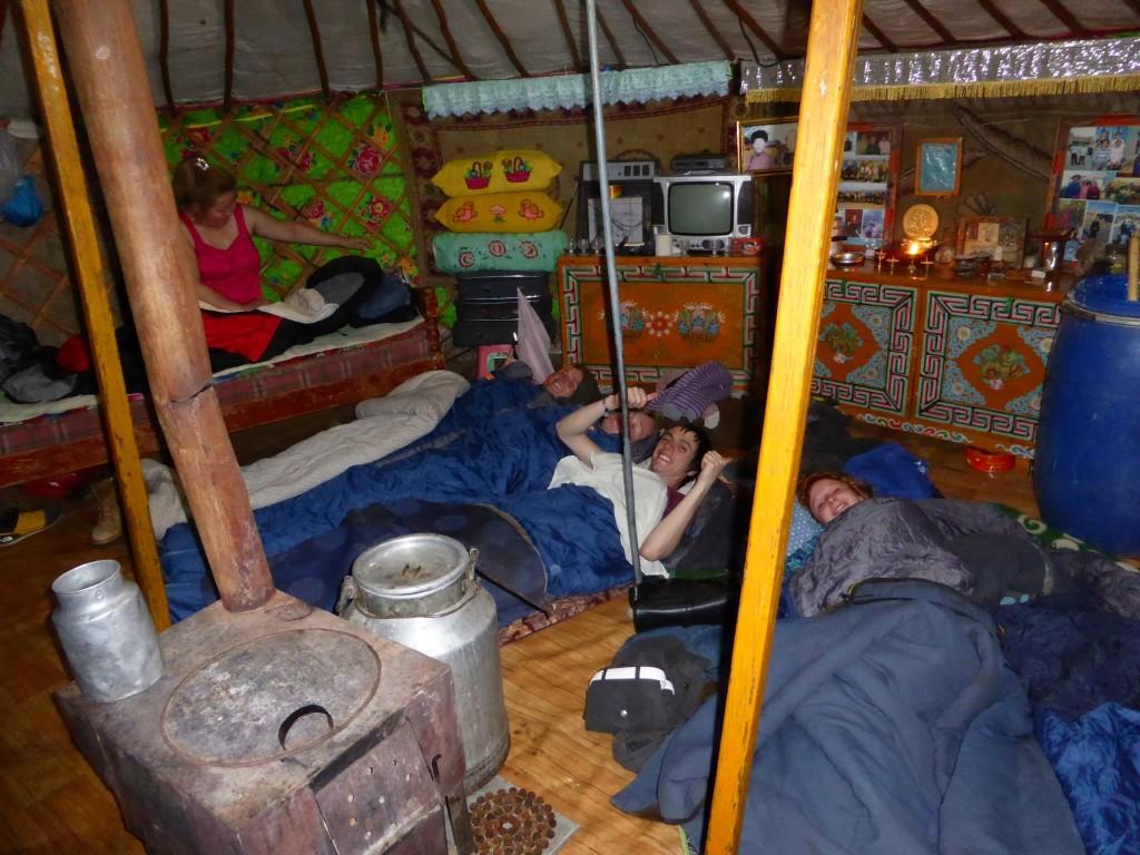 Unsere 1. Nacht in der Jurte - wir dachten, das sei schon kuschelig...