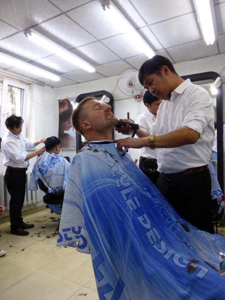Beim Friseur :-)