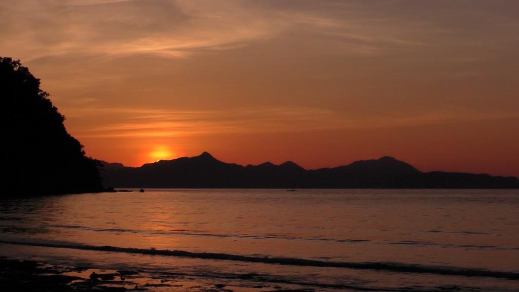 Sunset El Nido
