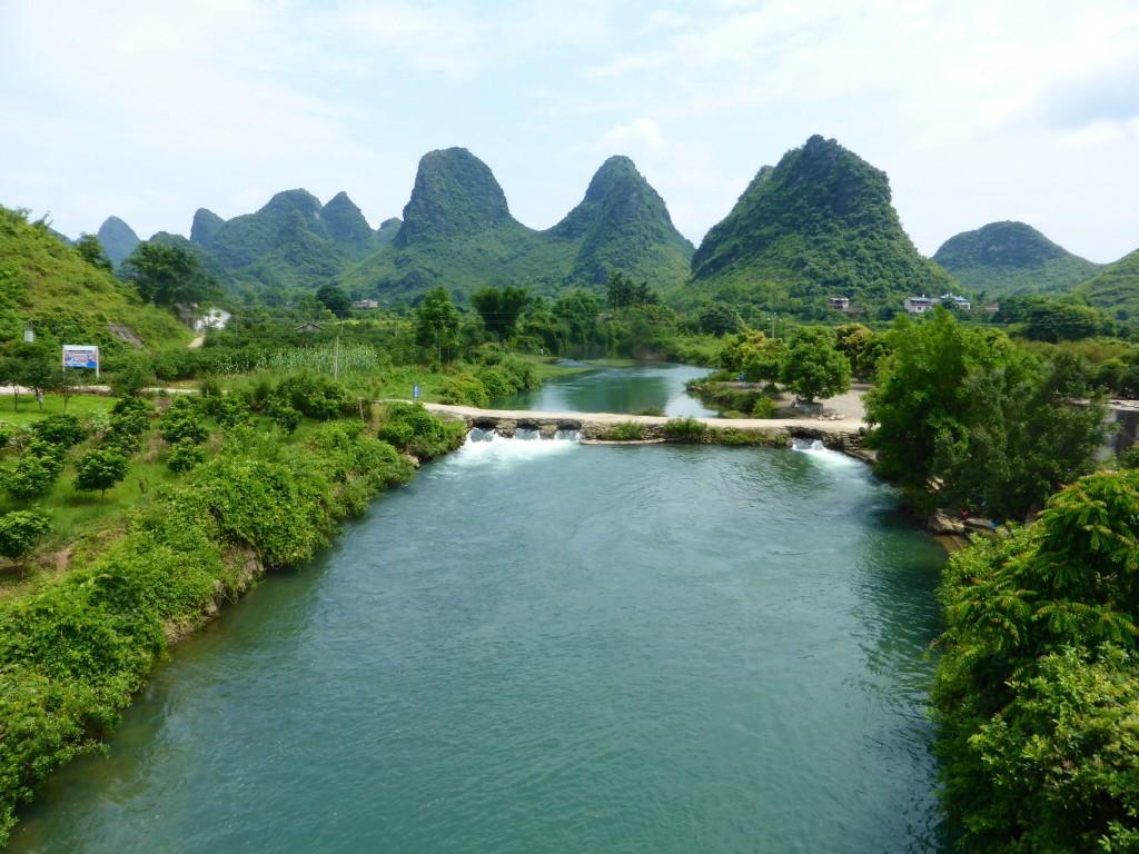 Blick über den Yulong Rivr