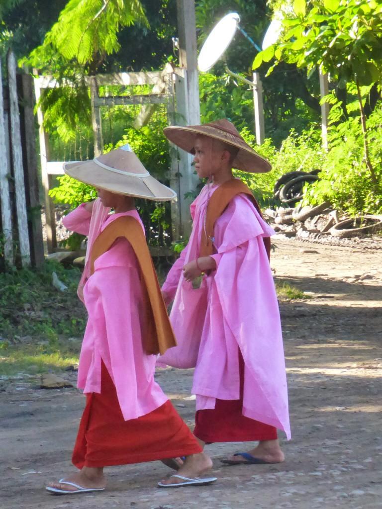 Burmesische Nonnen
