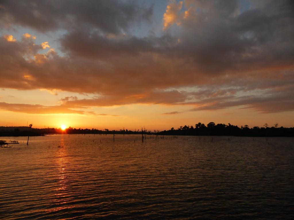 Sonnenuntergans am Stausee