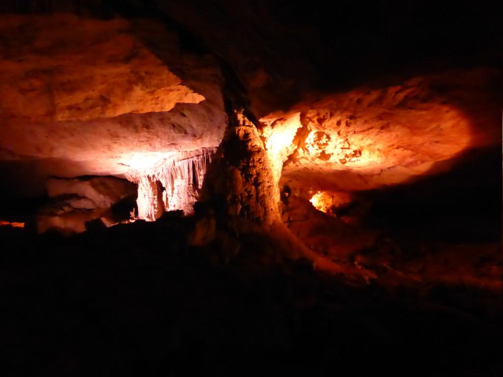 Steinformationen in der Konglor Cave