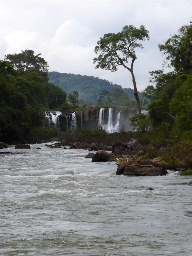 Der untere Wasserfall Tad Lo's