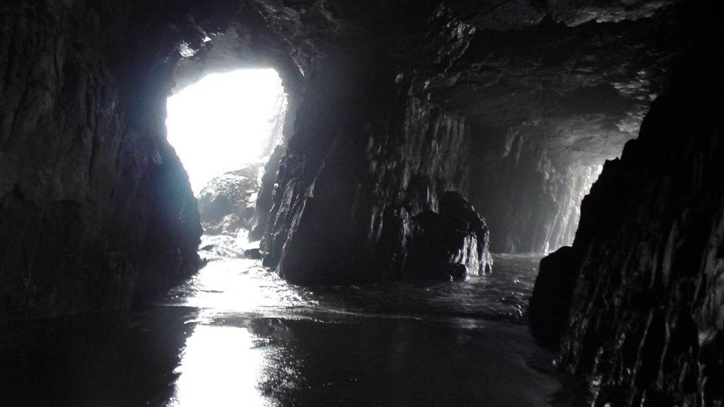 Die Remarkable Cave