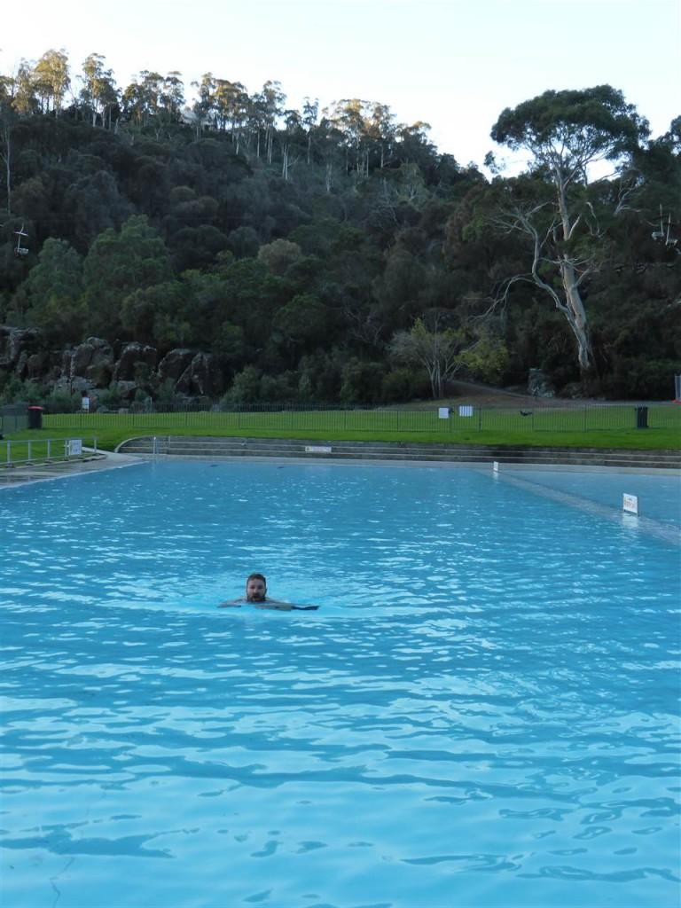 Erfrischendes Bad bei 15 Grad