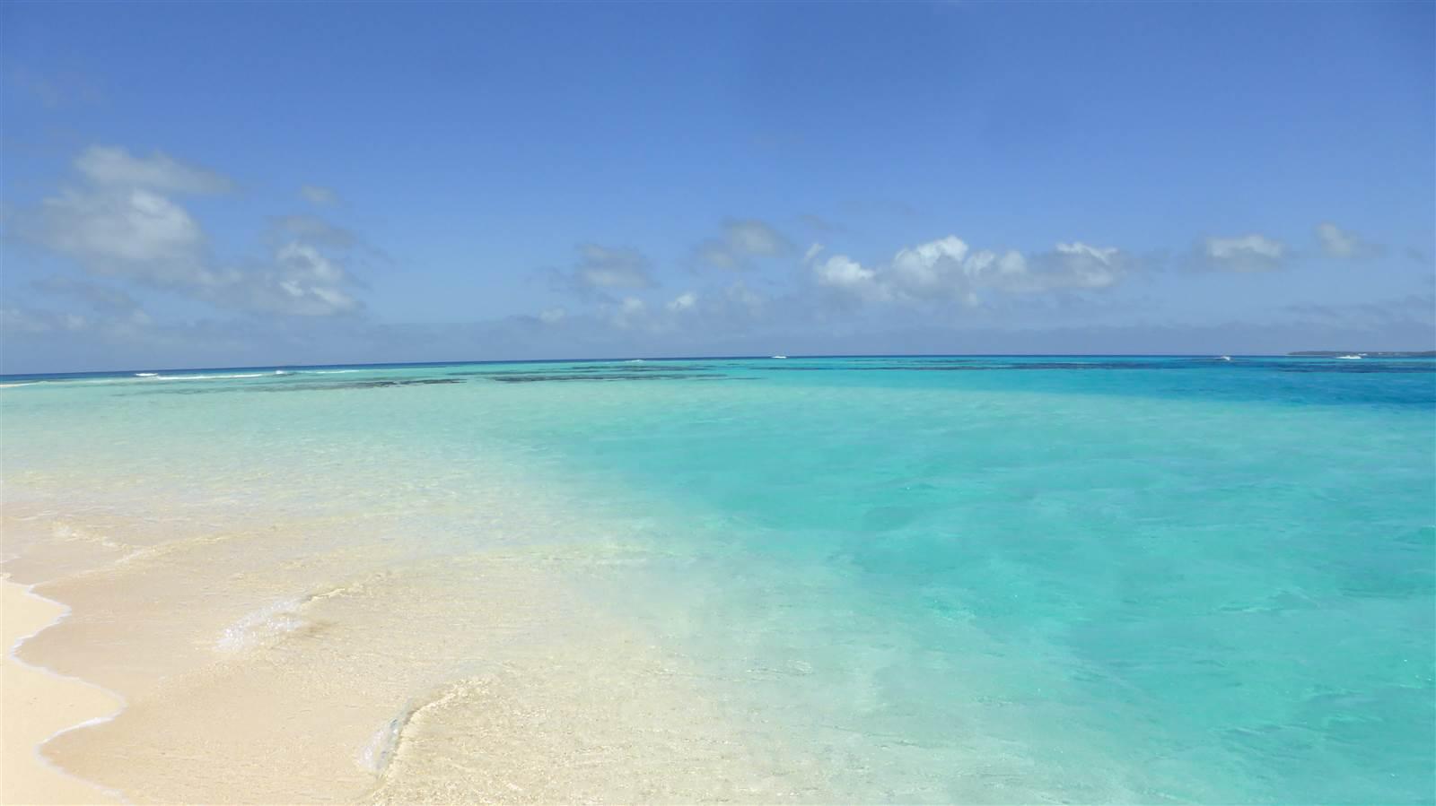Tonga_beach